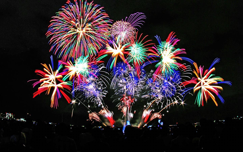 1464201706 fireworks pixel 443163